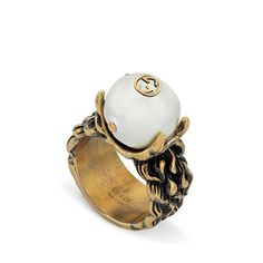 Textured ring with cream glass pearl
