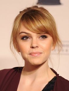 #Aimee Teegarden // light hair, a pony and a up do hairstyle.. pretty - easy - and should be a fast hairstyle ;) (if you know how to fix it right)