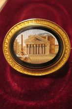 Magnificent Roman Micro Mosaic brooch set in gilded silver,19th century