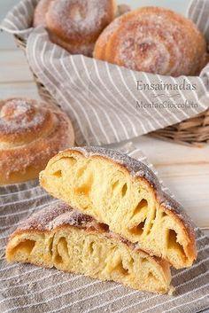 Italian Pastries, Bread And Pastries, Mallorca Bread, Jiffy Cornbread Recipes, Easter Bread Recipe, Croissants, Louisiana Recipes, Czech Recipes, Baked Donuts