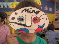 Careta Art Lessons For Kids, Projects For Kids, Art For Kids, Art Projects, Montessori Art, Artist Project, Cardboard Art, Joan Miro, Art Programs