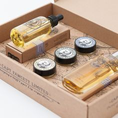 The Captain's Parfum, Wax & Beard Oil Gift Set is a simply delightful presentation of 3 of the Captain's extremely popular first class grooming requisites. Ideal for the Gentleman of all seasons, de rigueur for the modern day Dandy who is intent on 'keeping a stiff upper lip, regardless!' Contents: Beard Oil, Eau De Parfum, Moustache Wax Cornucopia x 3 Lavender, Sandalwood & Ylang Ylang Scents.