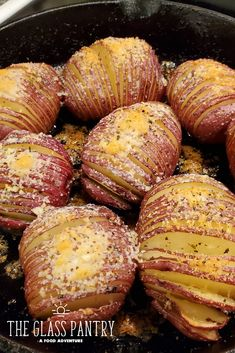 Hasselback Red Potatoes with Parmesan Cheese Recipes With Red Potatoes, Red Potato Recipes, Vegetable Recipes, Boiled Food, Veggie Dinner, Potato Side Dishes, Cooking Recipes, Healthy Recipes