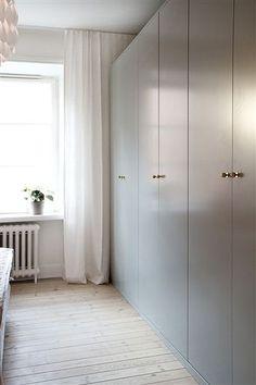Pelle Lundquist Vintage modern mix home wardrobes in bedroom
