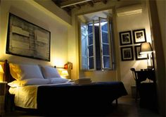 The Blue Hostel Provides boutiques hotel rooms at hostel prices in the centre of Rome Italy