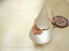 *簡単ワイヤーリングのつくりかた | n* bijou Wire Crafts, Diy And Crafts, Pearl Earrings, Drop Earrings, Beaded Rings, Wire Jewelry, Jewellery, Jewelry Design, Beads
