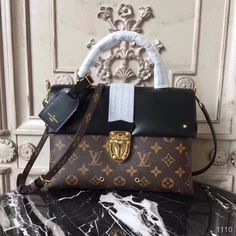 b0906e0fc Lançamento Louis Vuitton One Handle 2017 - Premium. Relógio Michael  KorsBolsas ...