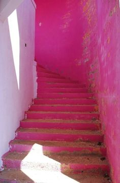 Love pink but afraid to incorporate it into your home? Here are pictures of pink interiors which might inspire you in our Pretty in Pink photo gallery. Pink Lila, Rosa Pink, Pretty In Pink, Perfect Pink, Tout Rose, I Believe In Pink, Stairway To Heaven, Fuchsia, Pink Purple