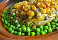 Moroccan tajine with turkey, peas and raisins
