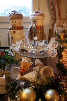 Joulukuusen koristeita