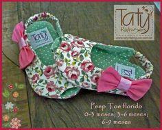 peep toe Baby Christening Gowns, Decorating Flip Flops, Dress Anak, Baby Kit, Shoe Pattern, Summer Baby, Baby Sewing, Baby Patterns, Toddler Fashion