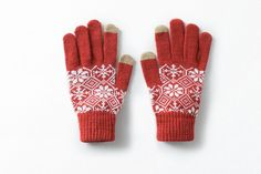 10 Cutest Touchscreen Gloves To Text And Tweet In