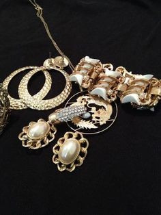 How to keep fake jewelry from discoloration clean gold for Does gold plated jewelry fade