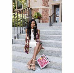 College Graduation Pictures, Graduation Picture Poses, Graduation Photoshoot, Grad Pics, Passion Photography, Graduation Photography, Cap And Gown, Queen, Caps For Women