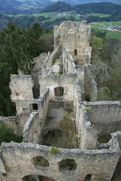 Prandegg Castle is a ruined hill castle in Austria, near the village of Schönau im Mühlkreis in the Freistadt District. Fantasy Landscape, Small World, Fantasy World, Abandoned Places, Mount Rushmore, Cool Pictures, Around The Worlds, Mountains, Austria