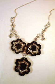 Necklace crochet and pop can tabs
