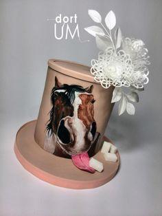 Sweet horse - http://cakesdecor.com/cakes/235469-sweet-horse