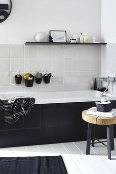 Je mise sur le noir et blanc pour une salle de bains pas gnangnan - Quelle déco pour une célibataire heureuse ? - CôtéMaison.fr