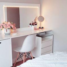 Cute Room Decor, Teen Room Decor, Room Ideas Bedroom, Home Office Decor, Home Decor Bedroom, Bedroom Closet Design, Home Room Design, Living Room Designs, Beauty Room Decor