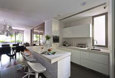lovely white kitchen design