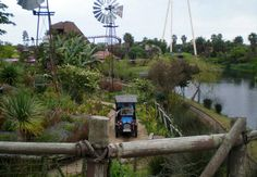 Fun at Ratanga Junction in Century City, Cape Town. More than 30 attractions including 24 rides ranging from Kids Rides to Family Rides and Thrill . Kids Ride On, Park, Cape Town, Things To Do, City, Fun, Image, Fin Fun, Things To Make