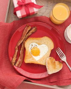 Heart-Shaped Eggs and Toast | 11 Everyday Foods You Can Make into Adorable Heart Shapes
