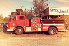 Old Whitney Seagrave Fire Engine At The Sunol Jazz Cafe In Sunol ...