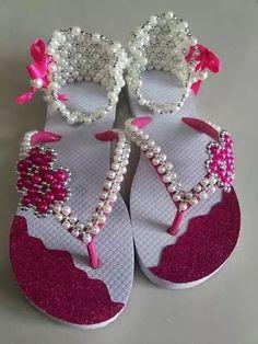 chinelos customizados calcanhar  pérola e lonita                                                                                                                                                      Mais
