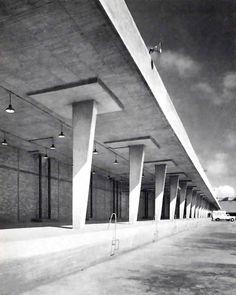 Rampa de cargo, Rastro de la ciudad de México, Azcapotzalco, México DF 1954 Arq. José Villagrán García - Loading dock, Slaughterhouse of Mexico City, Azcapotzalco, Mexico City 1954