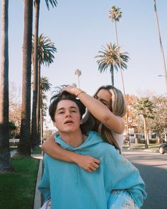 nick austin and addison rae Boy And Girl Best Friends, Cute Friends, Cute Relationship Goals, Cute Relationships, Boy And Girl Friendship, American Guy, Photo Couple, Famous Girls, Best Friend Pictures