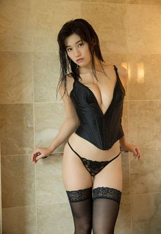 i-love-girls:  kojimblr:  Shoko Takasaki高崎聖子   美しい