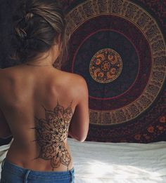 mandala tattoo on back #neck_tattoo_name #tattoosonnecksmall #tattoosonbackforwomen