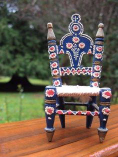 vintage tiny Scandinavian folk art DOLL HOUSE CHAIR~adorable! hand made~Sweden~