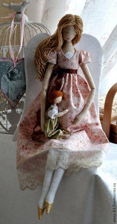 """Коллекционные куклы ручной работы. Ярмарка Мастеров - ручная работа Ангел """"Кто в домике живет ?"""". Handmade."""