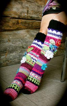 Irish lace, crochet, crochet patterns, clothing and decorations for the house, crocheted. Fair Isle Knitting, Knitting Socks, Knit Stockings, Irish Lace, Irish Crochet, Womens Slippers, Fashion Outfits, Womens Fashion, Leg Warmers