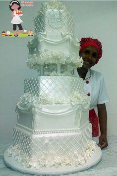 Bolo de casamento sextavado