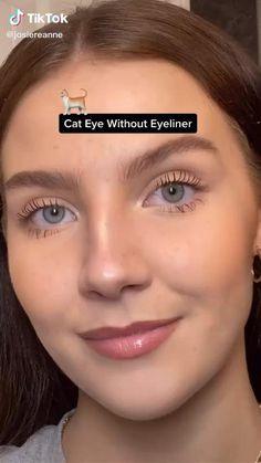 Matte Eye Makeup, Eye Makeup Art, Natural Eye Makeup, Makeup Tips, Teen Eye Makeup, Cat Eye Makeup Tutorial, Makeup Looks Tutorial, Eyeliner Tutorial, Simple Cat Makeup