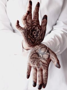 girls with tattoos & henna {in lieu}