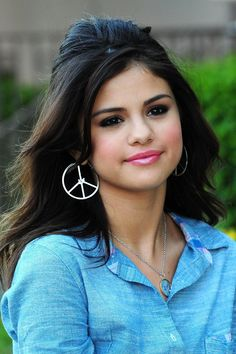 Unpopular opinion hour...I'm not a very big fan if Selena..I really just don't like her music. Her voice to me isn't particularly the best. She also doesn't really seem like a likable person... I do know a lot of people who like her though, and I do respect her. :) @Emily Schoenfeld B Sigler