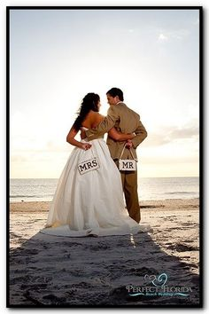 Wedding Photos: wedding is now at the beach, and this is still super cute!