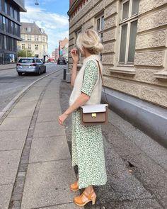 Holiday Slipover – PetiteKnit Kos, Big Yarn, Over 60 Fashion, High Sandals, Mohair Yarn, Circular Needles, Alpacas, Knit Vest, Stockinette