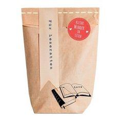 Für alle die gerne Bücher lesen. Die Wundertüte für Leseratten erfreut Bücherwürmer wie Gelegenheitsleser. Alles was man braucht für eine gemütliche Lesestunde!