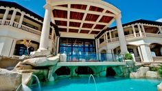 5 Amazing and Luxury Beach Houses That Will Blow Your Mind! #1