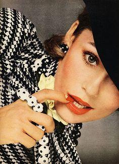Vogue 1973 Model(s): Lauren Hutton Photographer: Richard Avedon Designer(s): Revlon, Don Anderson for Scheer Bros, Bloomingdale's, Kenneth Jay Lane.