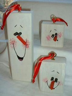 small blocks for ornaments? Yep, I think that would make a cute one! :) -➔ http://www.absolutexmas.com/: