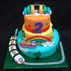 "Torta decorada con fondant. ""Junior Express"" por: Judith Tortas."