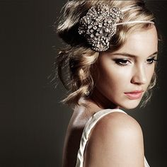 Close up head shot that features hair/makeup/headpiece  Use of headpiece (Bridal) Clean, Classic Bride MU