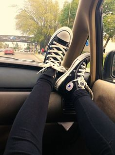 Converse All Stars 1993 x? Sneakers Mode, Sneakers Fashion, High Top Sneakers, Sock Shoes, Cute Shoes, Me Too Shoes, Converse All Star, Converse Shoes, Vans