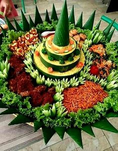 Fruit Carvings, Food Decoration, Indonesian Food, Creative Food, Food Plating, Afternoon Tea, Catering, Asia, Food And Drink
