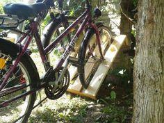 Parking bikes in a pallet